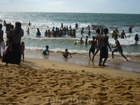 последний день каникул...местные на пляже)