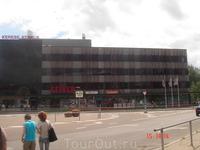 это супермаркет Сельвер, такие есть чуть ли не  в каждом городочке в Эстонии. Я тут покупаю марципаны, когда не могу доехать до Таллинна