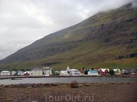 Прибытие в паромный порт Исландии - Сейдисфьордюр. Язык сломаешь пока это выговоришь!