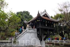 знаменитая пагода на одном столбе (Ханой)