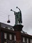 Копенгагенцы ещё не слышали звука этих труб.
