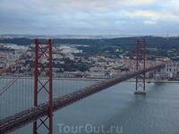 Мост, вид со статуи Христос Царь