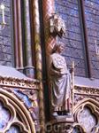 Каждая статуя символизирует святых.Из них 5 являются оригиналом.