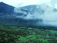 В горах клубился туман, создавая причудливые воздушные замки.