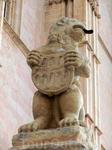 Львы, держащие в лапах гербы Сеговии, приветствовали меня как старую знакомую,  ну или мне так показалось :)