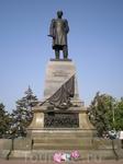 """Памятник адмиралу Нахимову.  В 1928 г. памятник Нахимову был снесен, как монумент, воздвигнутый """"царскому адмиралу"""". В 1959 г. был торжественно открыт ..."""