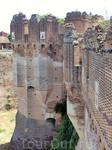 С замком связана романтическая история любви Марии Фонсека и маркиза Сенете, который пытался безуспешно атаковать замок и вызволить свою возлюбленную, ...