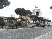 около колонны Траяна (Colonna Traiana) 3