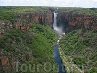 Удивительный водопад.