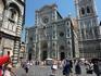 А это сам собор Санта Мария дель Фьоре.. Ну такое великолепие из мрамора! Такой купол! - визитная карточка Флоренции - его видно из любой точки города ...