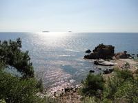 После шумного Стамбула хорошо вернуться на остров, езды всего 25 минут, а разница!