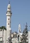 Мечети здесь соседствуют с храмами