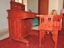 Письменный стол в спальне художника