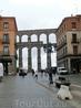 Акведук в Сеговии представляет собой древний объект инженерной мысли, реализованный в I или II в. н. э. во времена владычества римлян на территории Пиренейского ...