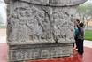 памятник в Сапе (Северный Вьетнам)