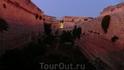 В крепости ночью