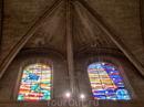 Не помню сколько стоили входные билеты, но войдя в собор мы обнаружили, что часть собора занимает выставка, посвященная творчеству какого-то китайского ...