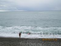 А это море в Абхазии (Гагра) в шторм.