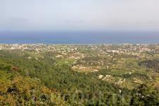 вид на городок Иксия с горы Филеримос
