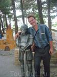 """Два рыцаря в парке на набережной. Один железный, а другой """"не железный"""")))"""