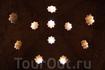 Потрясающий эффект естественного освещения дает оригинальная конструкция купола бань Дворца Комарес