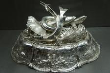 Столовое серебро просто фантастика,всё это человеческих рук дело!