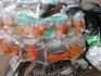 Золотые рыбки на продажу(вьетнамцы любят аквариумы ).
