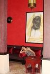 Красный цвет очень популярен в оформлении жилища в Марокко.