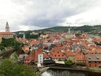 Старейшая часть города строилась спонтанно и населялась в основном людьми, обслуживавшими замок. С названием и возникновением этой части города связана ...