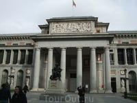 Мадрид. Музей Прадо. Статуя Веласкеса перед входом