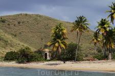 Проплывая мимо островов...