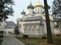 Спасо-Ефимьевский монастырь. Памятник-часовня.