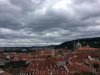 Вид на Прагу со смотровой площадки Градчан.