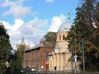 Церковь на одной из улочек