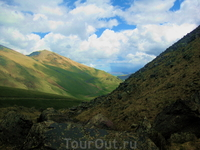 когда спускаешься со склонов Эльбруса открывается великолепный вид