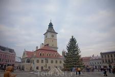 Старая ратуша, центральная площадь Брашова