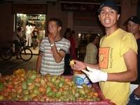 кактус считается в Тунисе плодом для мужчин, а инжир - для женщин. Говорят, что кактус укрепляет мужскую силу, а инжир лечит гинекологические заболевания ...
