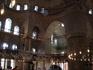 """Официально мечеть называется мечетью султана Ахмеда, но в народе за ней закрепилось другое название: """"Голубая мечеть"""" — из-за того, что интерьер храма ..."""