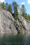 Он разрабатывался с 1765 года, сегодня его протяженность с севера на юг составляет более 460м, ширина - до 100м. Расстояние от самой верхней точки борта ...