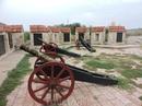А вот и пушки поближе. В тот день в крепости никого не было, так что у нас была возможность погулять в спокойной обстановке.
