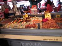 Прилавок рыбного рынка в Бергене