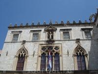 Дубровник, окна княжеского дворца