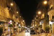 Центральная улица Авиньона - Жозеф-Верне