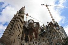 Барселона. Вечная стройка-Sagrada Familia!Великое произведение Гауди!Это был 1ый пункт нашей прогулки. Когда мы приехали в Барселону,то встал вопрос где ...