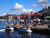 Погода - супер и на пристани все меньше яхт, большинство - во фьордах