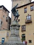 А вот и сам Хуан Браво, который прославился во время правления императора Карла I Испанского. За год до означенных событий, в 1519 году, Хуан с чадами и домочадцами проживал в Сеговии и был избран гла