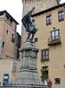А вот и сам Хуан Браво, который прославился во время правления императора Карла I Испанского. За год до означенных событий, в 1519 году, Хуан с чадами ...