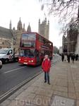 Прикольный красный автобус дабл-деккер