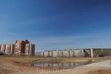на углу Лунного проспекта и ул. Серова