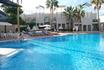 Сегодня отдыхаем у бассейна.